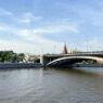 На отремонтированной части Большого Каменного моста открыли зону для пешеходов
