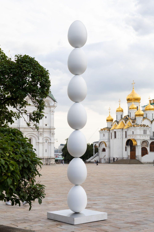 """На Соборной площади Кремля установили скульптуру """"Овоид 7.1"""""""