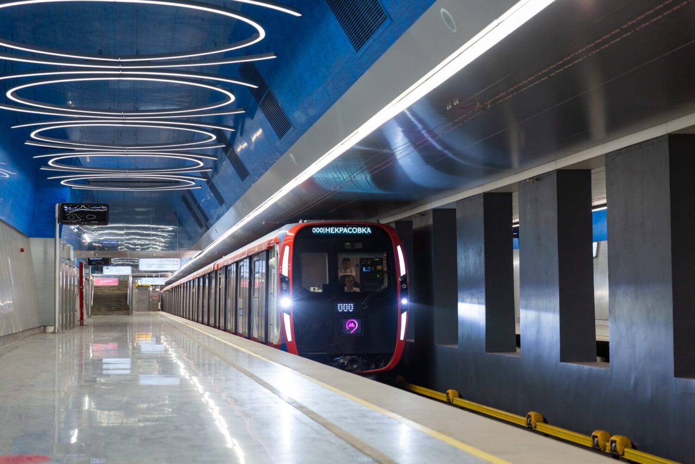 Московское метро за три года получит 1300 новых вагонов
