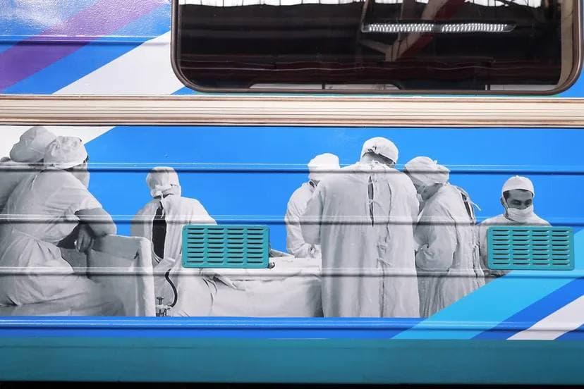 Тематический поезд, посвященный Боткинской больнице, запустили в метро