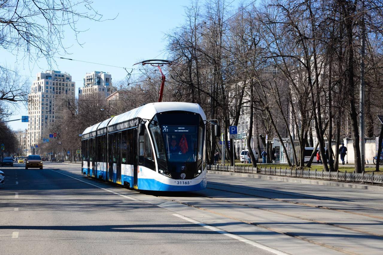Уточнен график возвращения трамвайных маршрутов после ремонта пути