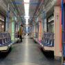 Пассажиров будут штрафовать в транспорте Москвы за приспущенную маску