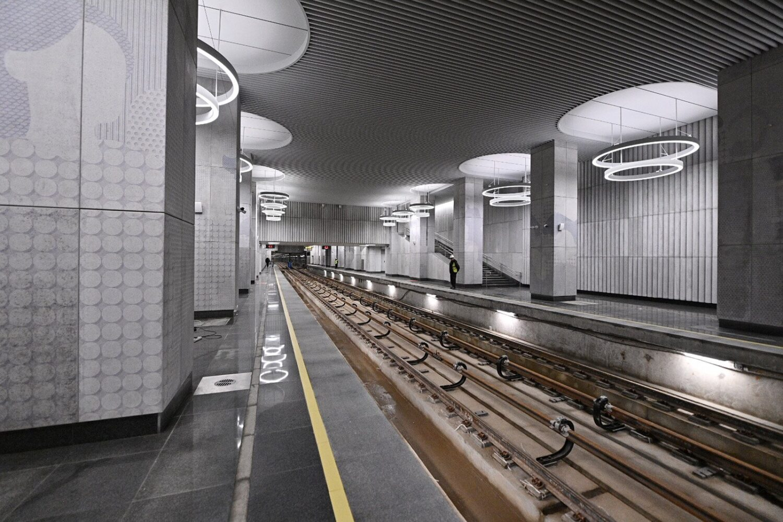 Собянин провел технический пуск трех станций БКЛ метро
